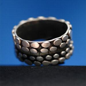 Anillo artesanal plata de bolitas