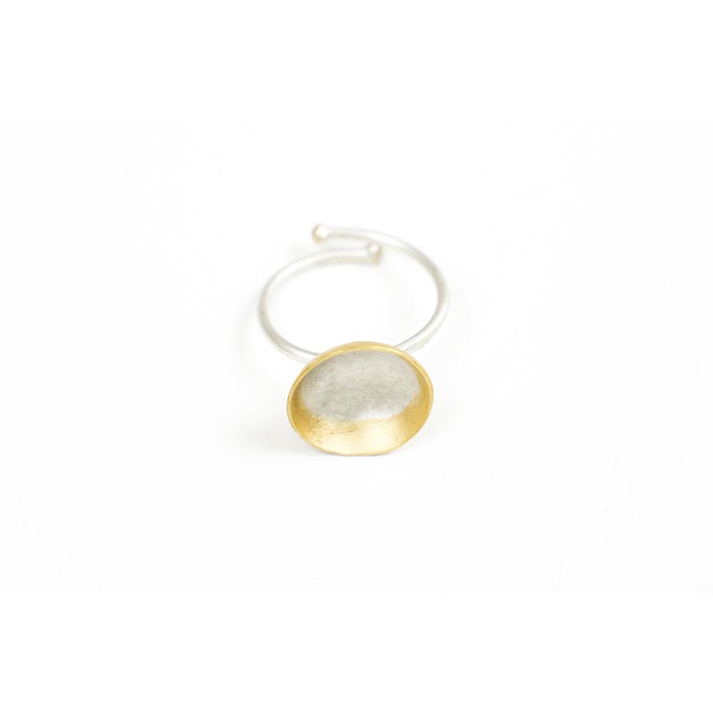 Anillo artesanal ajustable plata chapado oro