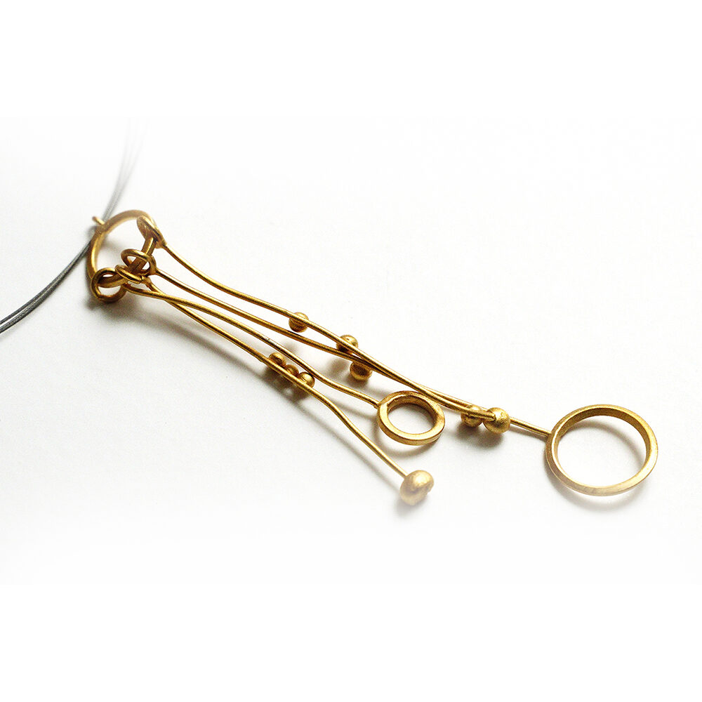 Colgante artesanal largo plata chapado oro