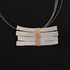 Colgante artesanal barras plata y lámina de oro