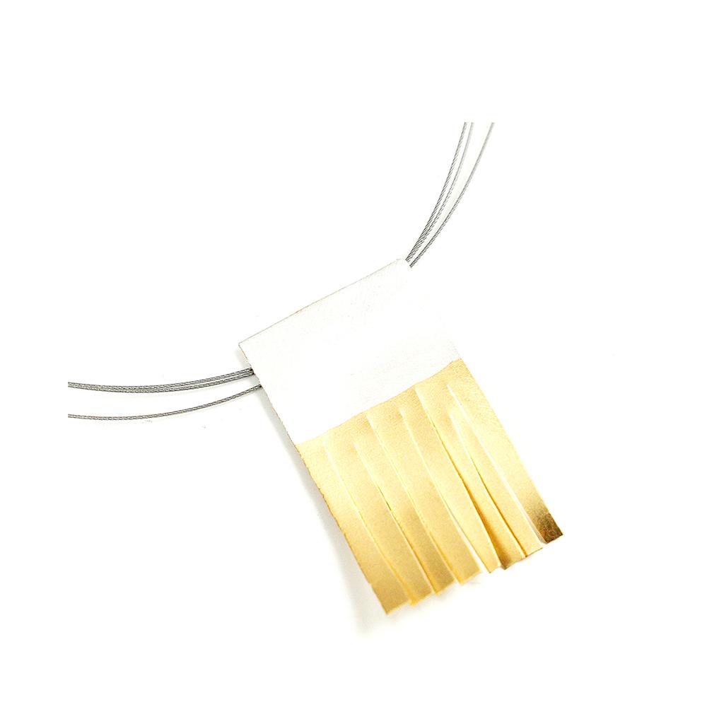 Colgante artesanal flecos plata chapado en oro